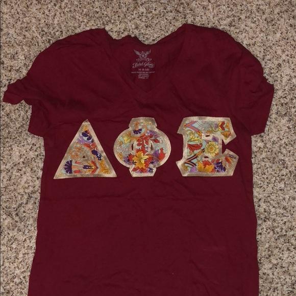 Faded Glory Tops - DPHIE sewn on letters shirt - Delta Phi Epsilon